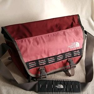 🎒 The North Face Messenger Bag
